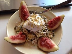 Coconutty fig quinoa
